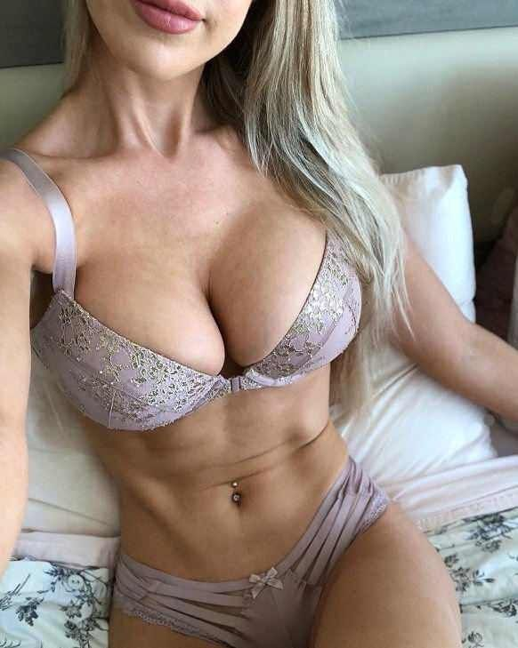 pictures of women with nice tits