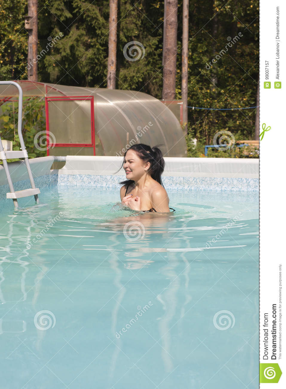 pictures of young girls at the pool nacked pics